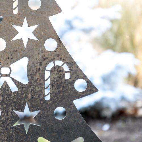 Zoom sur le Sapin de Noël Corten