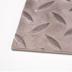 Plaque d'inox 304L larmé antidérapant finition brut 304L