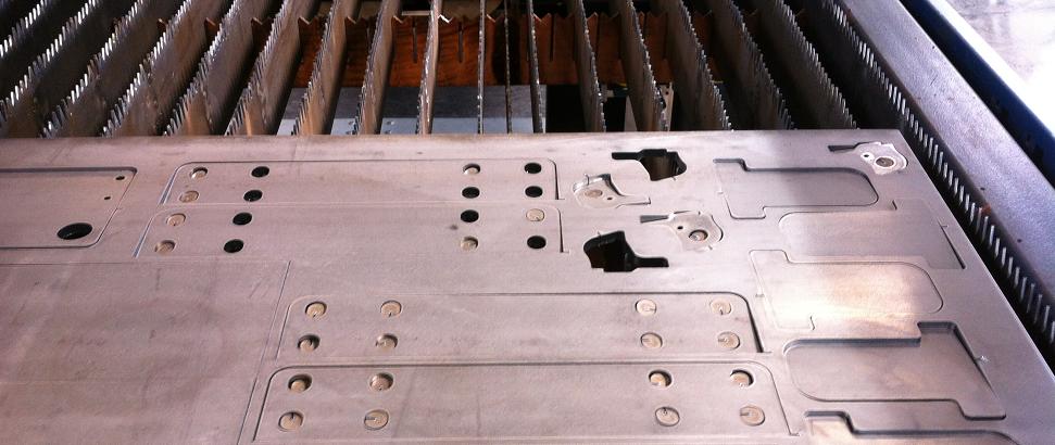 Plaques d'acier découpées sur mesure