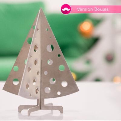 Sapin de table en inox avec découpes boules de Noël