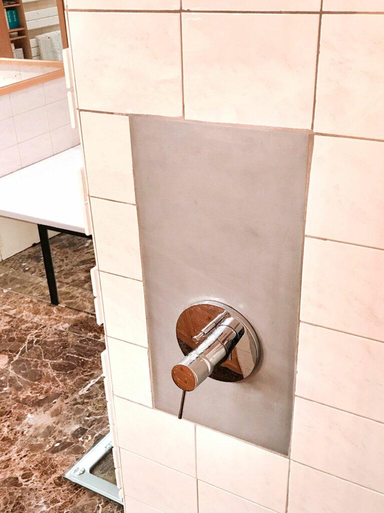 Trappe de visite en inox pour la douche