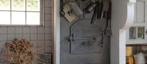 Habillage d'un four à pain avec une plaque d'acier