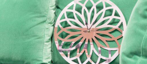 Créez votre horloge murale personnalisée en inox miroir