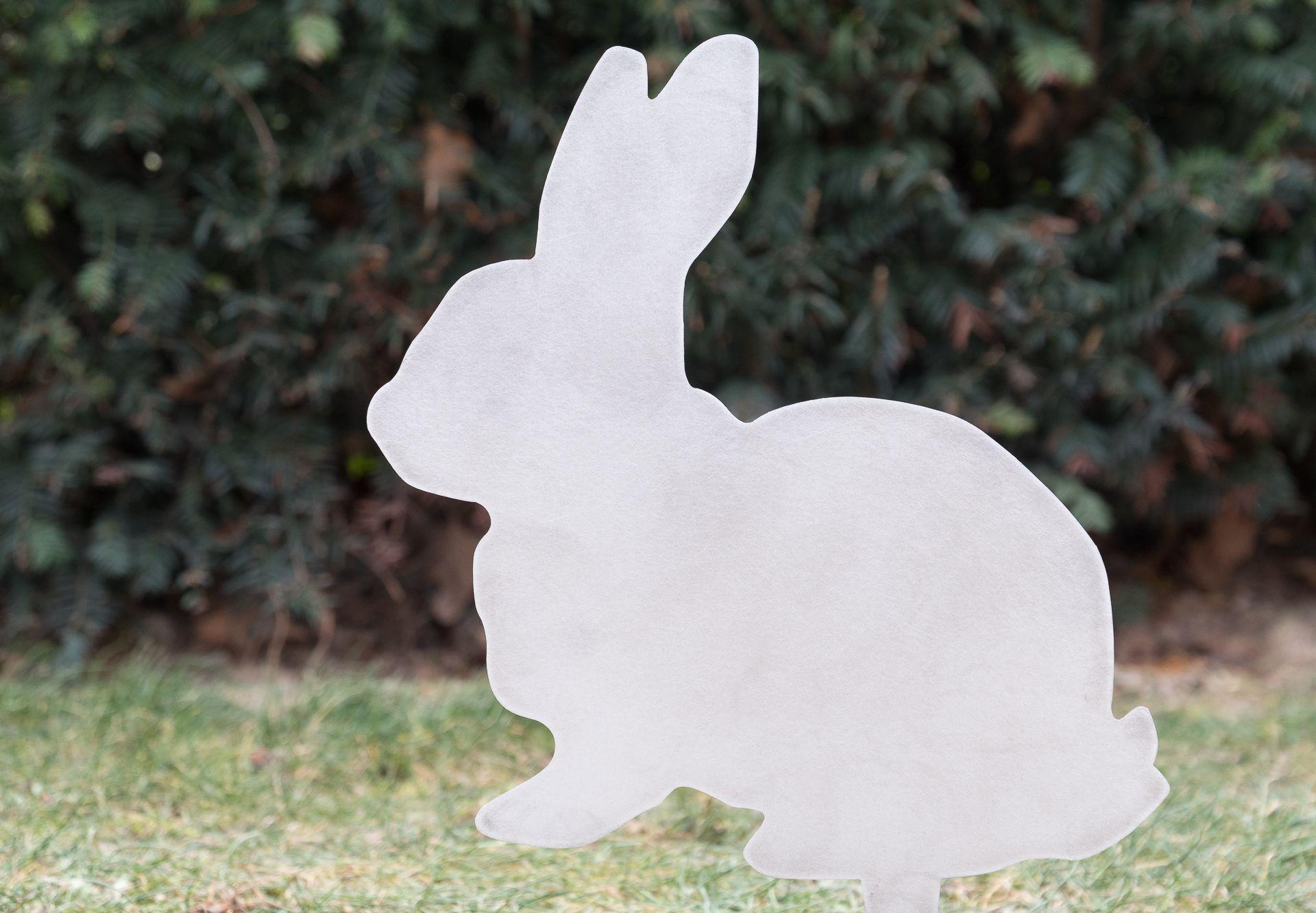 Lapin de Pâques en acier corten brut de laminage