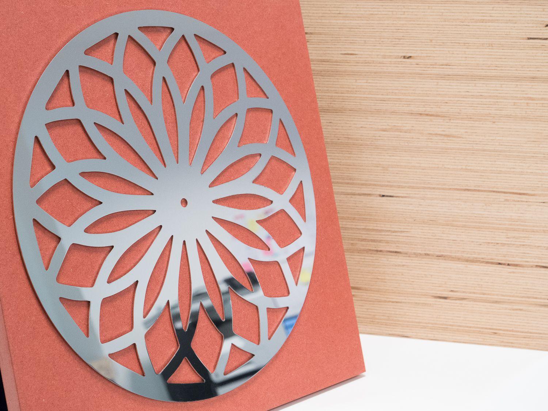 Reflets horloge miroir inox