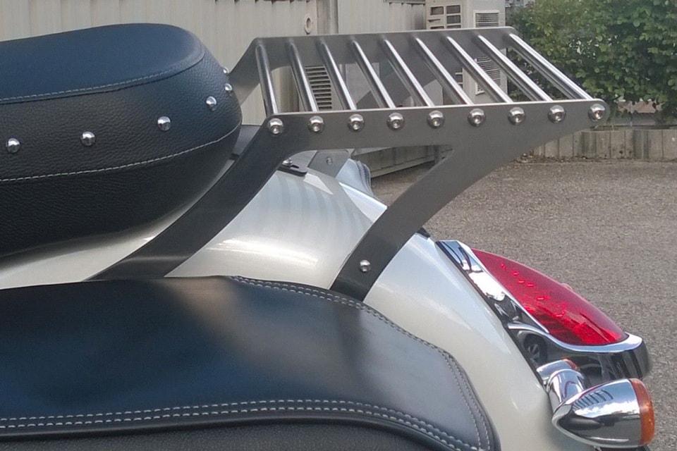 Porte-bagage sur-mesure en métal