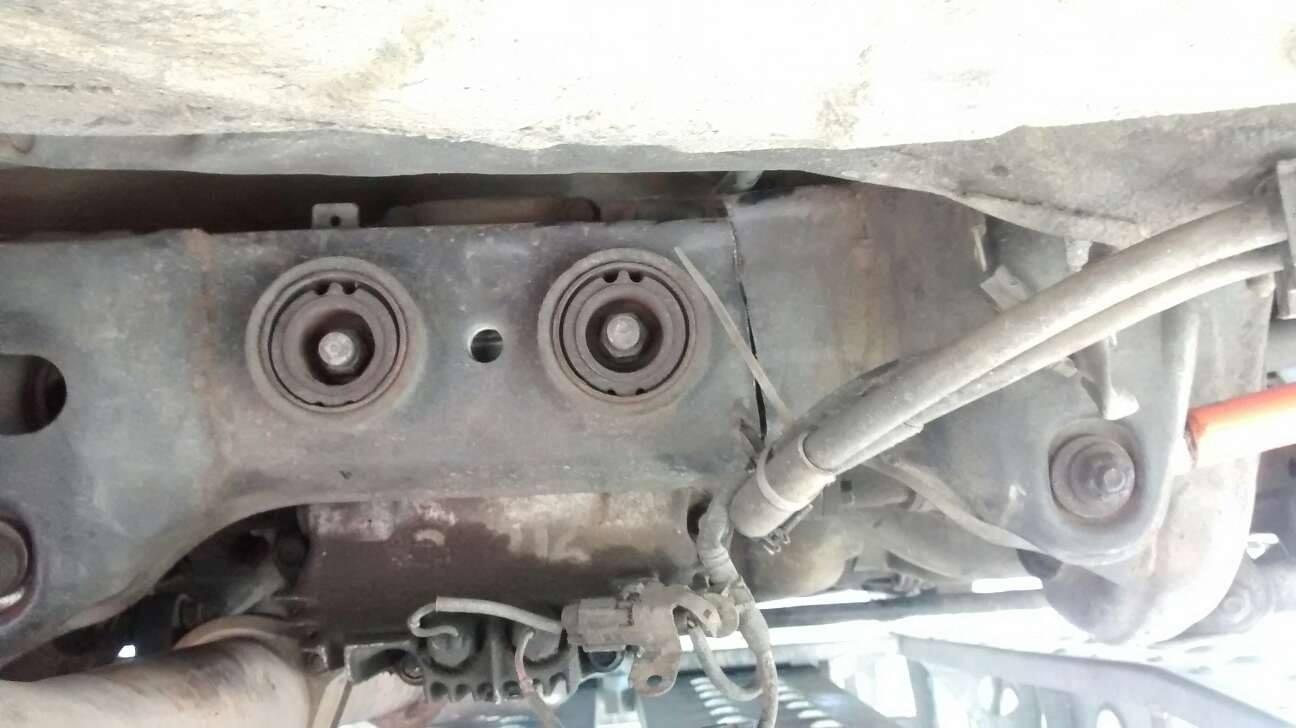 Berceau arrière Nissan S14 fissuré