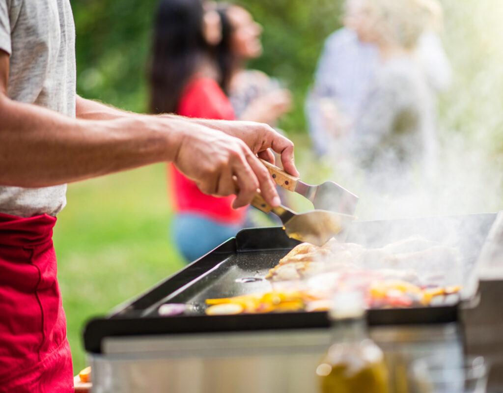 Comment Fabriquer Une Plancha transformer son barbecue en plancha - john steel mag