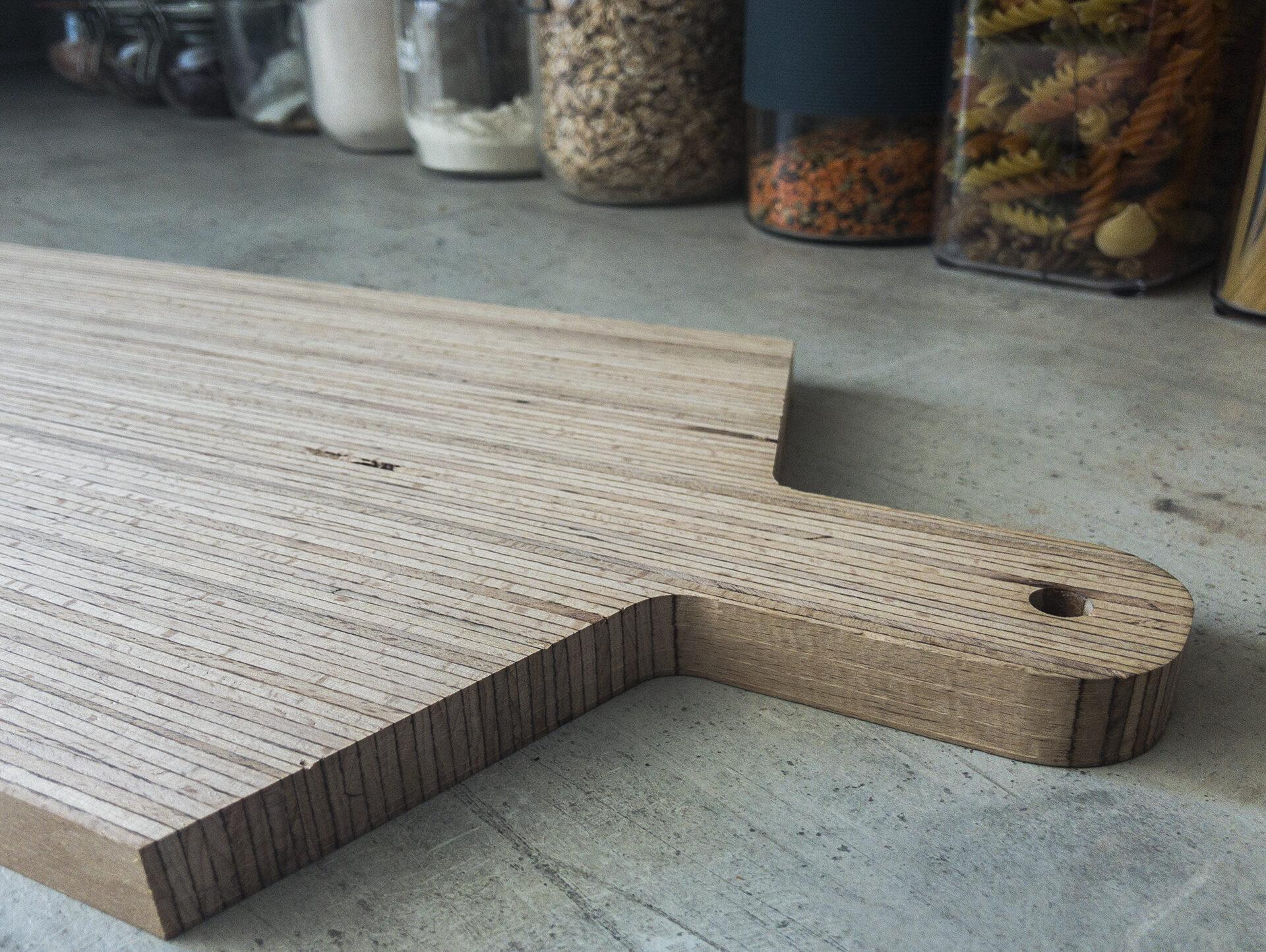 fabriquer-une-planche-à-découper-en-bois-sur-mesure