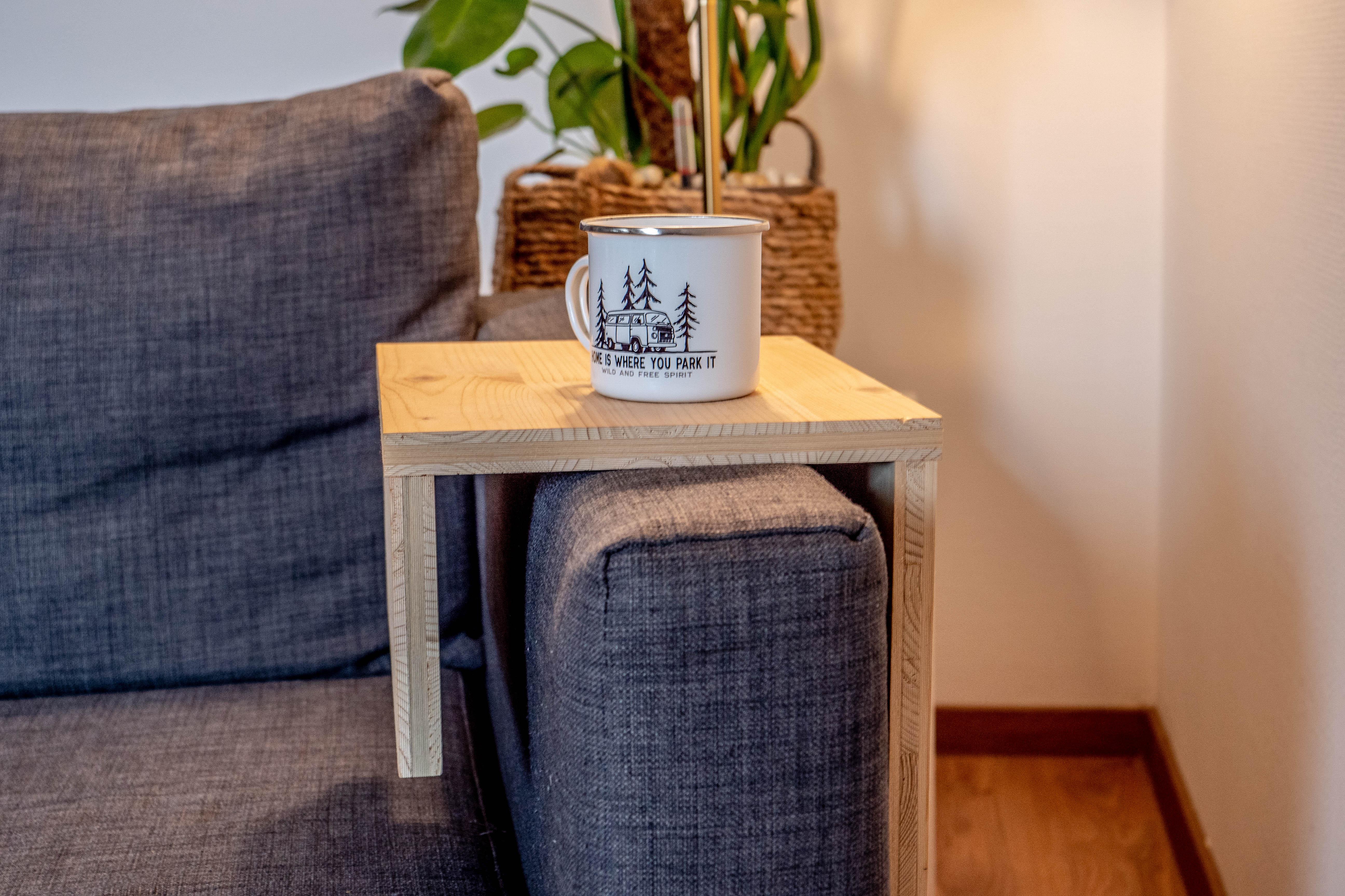 table-d'appoint-canapé-bois