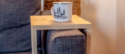 Le mois du DIY bois : Fabriquer un support de canapé en bois sur mesure ️