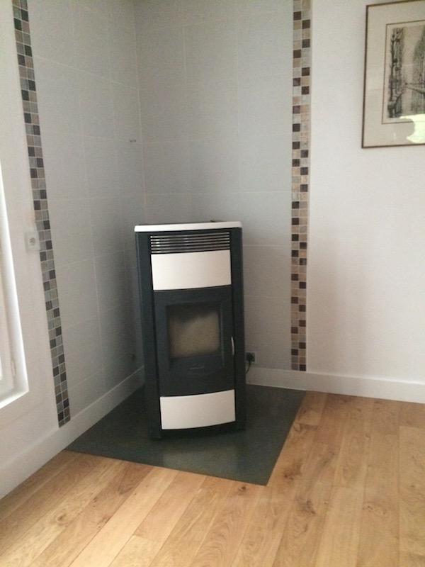 Protect-floor-wood-burner-with-custom-steel-panel