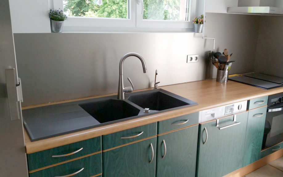 cleaning a custom aluminium splashback