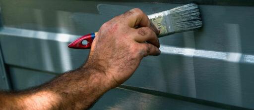 Comment peindre une plaque de métal comme un pro !