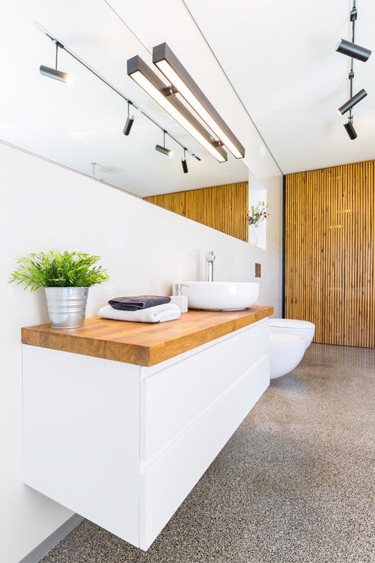 bois-massif-pour-salle-de-bain
